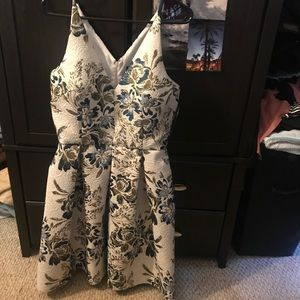 Dresses & Skirts - Xscape dress